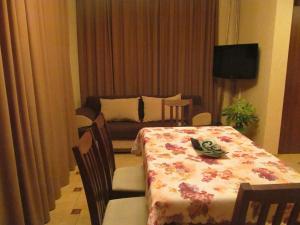 Guest House Yuzhniy, Locande  Divnomorskoye - big - 40