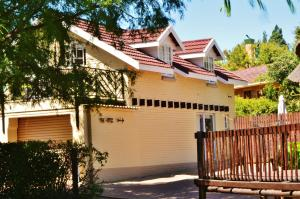 Mont Rouge, Guest houses  Clarens - big - 74