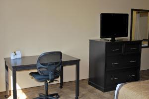 Queen studio with 1 Queen Bed - Disability Access/Non-Smoking