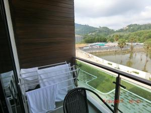 The Naithorn Condo Unit 401, Apartmanok  Naithon-part - big - 35