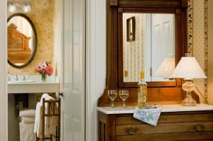 The Queen Victoria Bed & Breakfast, Bed and breakfasts  Cape May - big - 23
