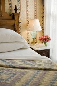 The Queen Victoria Bed & Breakfast, Bed and breakfasts  Cape May - big - 25