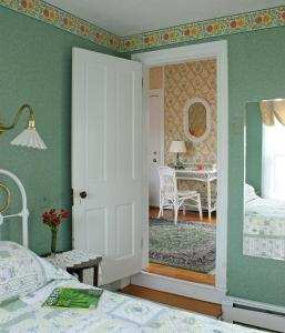 The Queen Victoria Bed & Breakfast, Bed and breakfasts  Cape May - big - 42