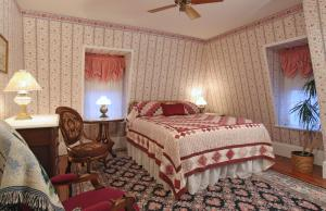 The Queen Victoria Bed & Breakfast, Bed and breakfasts  Cape May - big - 45
