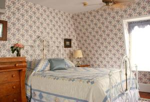 The Queen Victoria Bed & Breakfast, Bed and breakfasts  Cape May - big - 49