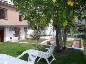 Garden House, Bed and breakfasts  Ercolano - big - 37