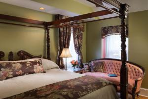 The Queen Victoria Bed & Breakfast, Bed and breakfasts  Cape May - big - 98