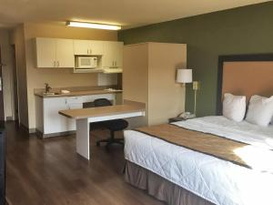 Studio with 1 King Bed - Disability Access
