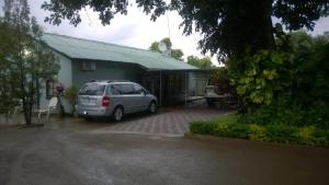 Gloria's Bed and Breakfast, Bed & Breakfast  Livingstone - big - 51