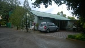 Gloria's Bed and Breakfast, Bed & Breakfast  Livingstone - big - 52