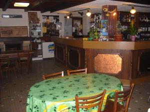 Auberge du Meygal - Hotel - Champclause