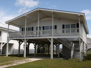 The Beach Cottage Home, Holiday homes  Myrtle Beach - big - 3