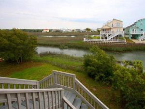 The Beach Cottage Home, Holiday homes  Myrtle Beach - big - 8