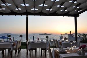 Small Beach Hotel, Hotels  Turgutreis - big - 19