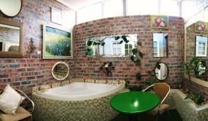 Classic Double Room with Separate Shower and Bath