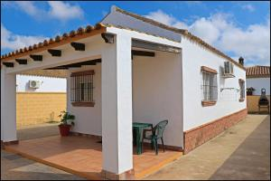 Bungalow complejo III, Holiday homes  Conil de la Frontera - big - 2