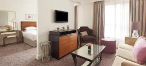 Regency King Suite with Lounge Access