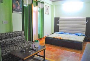 Hill View Apartment - Dalai's Abode, Homestays  Dharamshala - big - 8