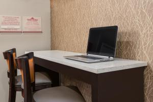 Hawthorn Suites by Wyndham Louisville North, Hotely  Jeffersonville - big - 16