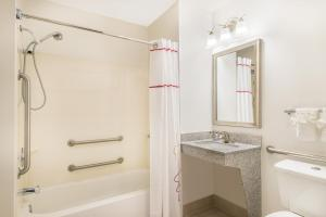 Hawthorn Suites by Wyndham Louisville North, Hotely  Jeffersonville - big - 11