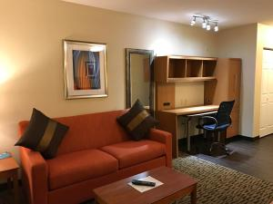 Hawthorn Suites by Wyndham Louisville North, Hotels  Jeffersonville - big - 21