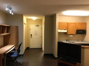 Hawthorn Suites by Wyndham Louisville North, Hotely  Jeffersonville - big - 32