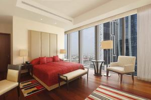 Deluxe Suite with Burj Khalifa View