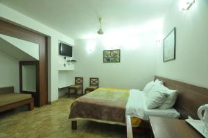 Lago villa, Bed & Breakfasts  Bhopal - big - 8