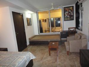 Lago villa, Bed & Breakfasts  Bhopal - big - 11