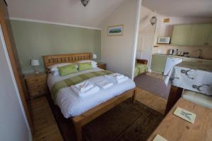 Woodlands Guest House, Penzióny  Brixham - big - 21
