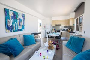 Nicholas Seaview Apartments, Apartmanok  Protarász - big - 1