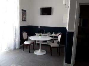 Novecento Dimore di Poesia, Vendégházak  Trani - big - 76