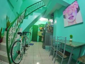 NoMadsMNL Backpackers Homestay, Priváty  Manila - big - 23