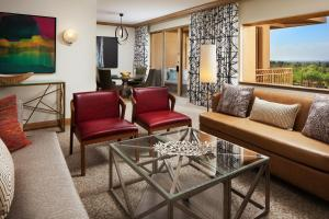 Canyon Suite with Golf Park View