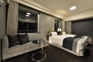 Premium Deluxe Twin Room with Complimentary Breakfast