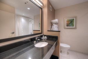 Fairfield Inn & Suites by Marriott Charlotte Airport, Hotely  Charlotte - big - 11