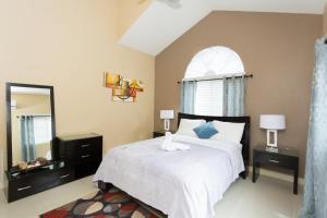 Caymanas Golf and Polo Resort, Pensionen  Caymanas - big - 30