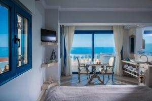 Pyrgos Blue, Aparthotely  Malia - big - 6