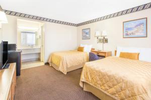 Double Room with Two Double Beds - Non-Smoking (4 Adults)