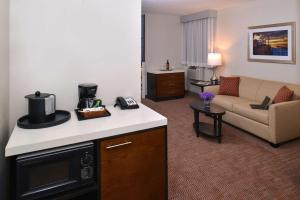 Queen Suite with Sofa Bed - Non Smoking