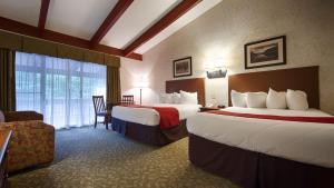 Queen Room with Two Queen Beds - Second Floor