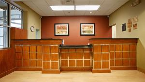 Best Western Airport Inn & Suites Cleveland, Hotels  Brook Park - big - 38