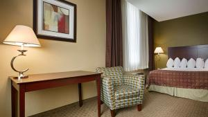 Best Western Airport Inn & Suites Cleveland, Szállodák  Brook Park - big - 40