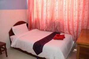 Capitol 3 Guesthouse, Гостевые дома  Пномпень - big - 37