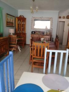 A1 Kynaston Accommodation, Bed and Breakfasts  Jeffreys Bay - big - 102