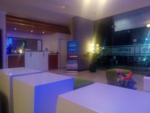 Agung Hotel, Hotel  Kendari - big - 17