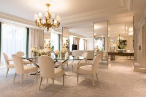 Four Seasons Hotel George V Paris (40 of 61)