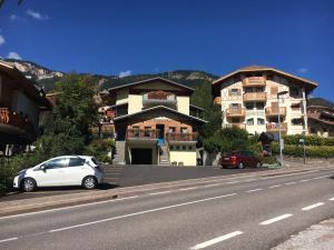 Hotel Garni Enrosadira, Hotely  Vigo di Fassa - big - 150