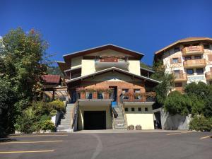 Hotel Garni Enrosadira, Hotely  Vigo di Fassa - big - 151