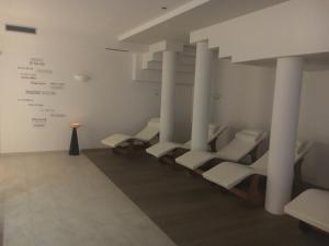 Hotel Garni Enrosadira, Hotely  Vigo di Fassa - big - 159